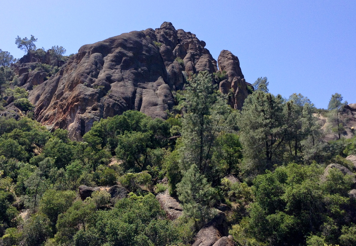 """With its jagged spires and litany of hidden caves, Pinnacles <a href=""""http://www.huffingtonpost.com/2013/03/13/pinnacles-nati"""
