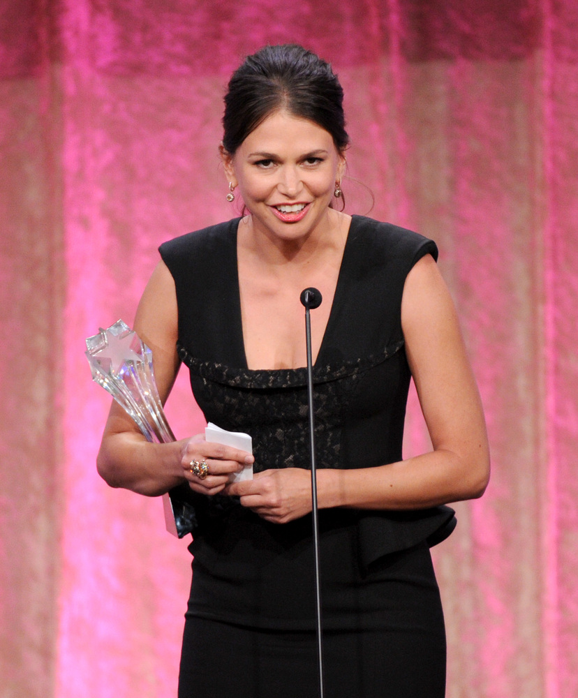 "Sutton Foster accepts Thalo's inspiration award for ""Bunheads"" at the Critics' Choice Television Awards in the Beverly Hilton"