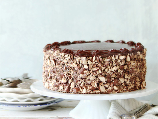 "<strong>Get the <a href=""http://www.bakersroyale.com/cakes/chocolate-whopper-cake/"" target=""_blank"">Chocolate Whopper Cake re"