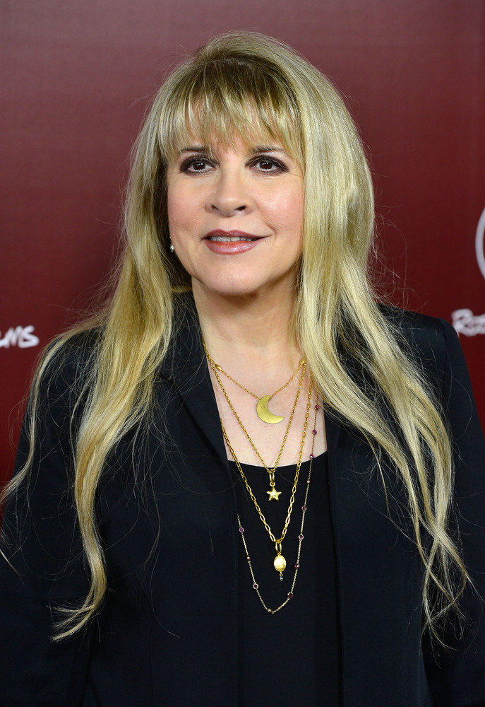 Being single is no big deal for Fleetwood Mac singer Stevie Nicks.   In June 2013, the music legend, who was married to <a hr