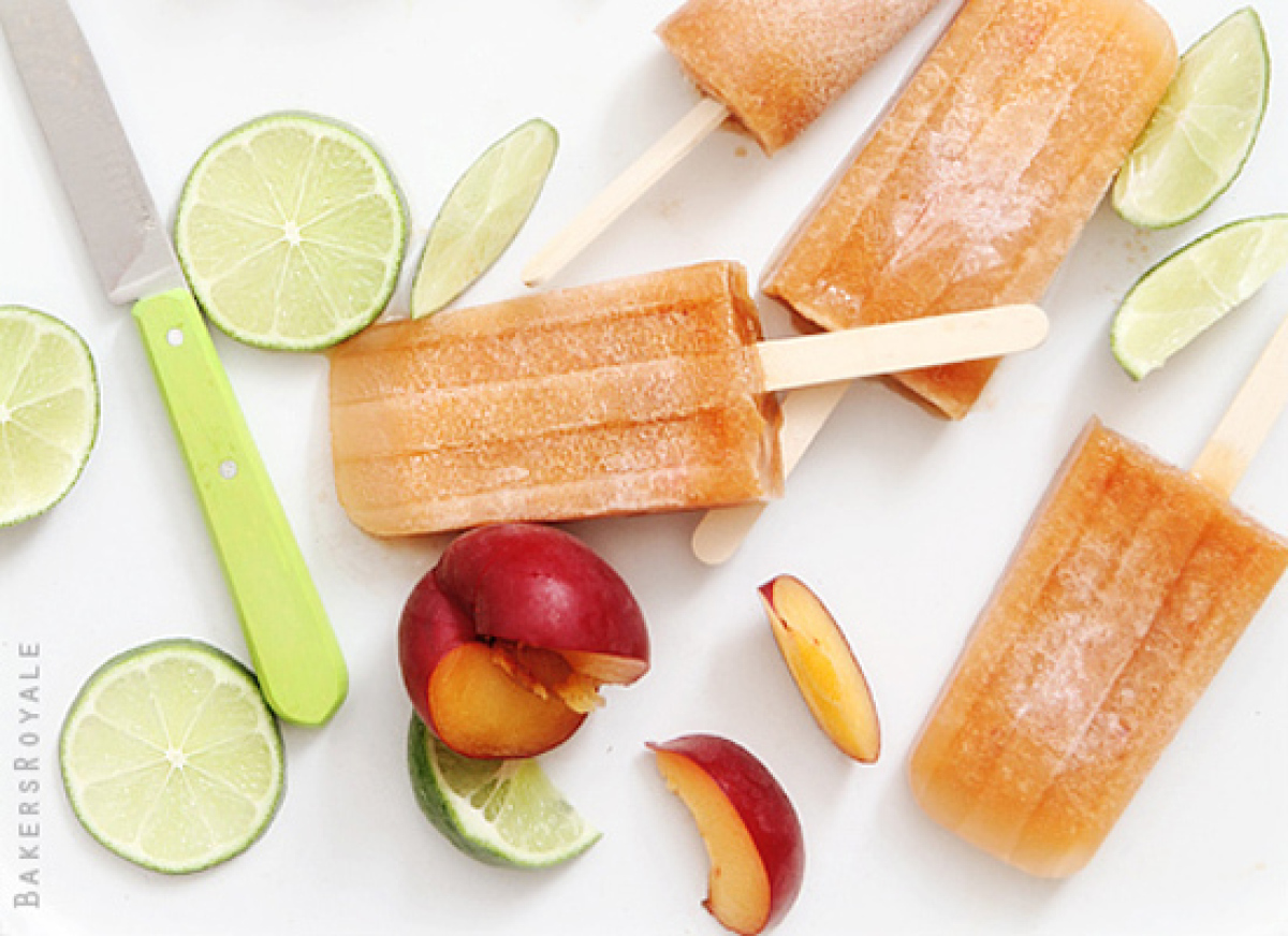 "<strong>Get the <a href=""http://www.endlesssimmer.com/2012/05/31/endless-poptails-red-velvet-dark-and-stormy-popsicle/"" targe"