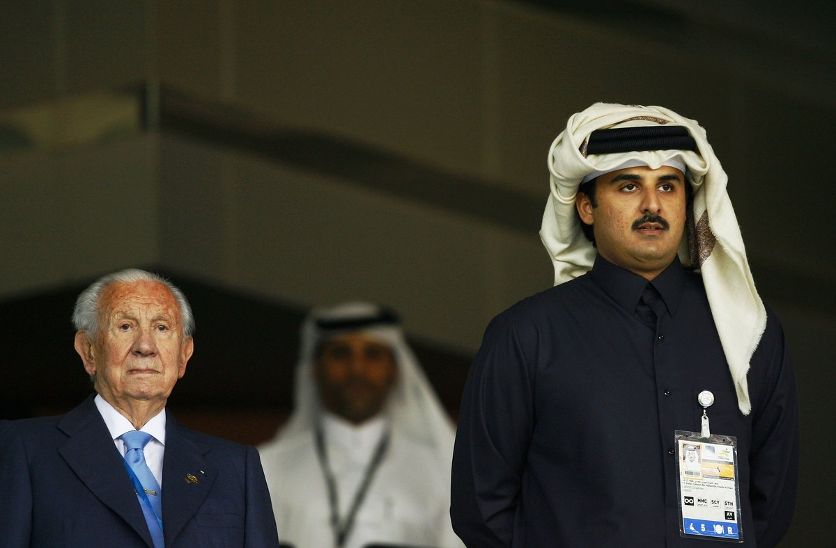 Juan Antonio Samaranch (L) and The chairman of the Doha Asia Games Organising Committee (DAGOC), His Highness Sheikh Tamim Bi