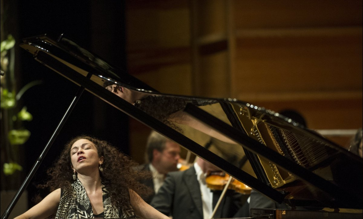 Pianist Marianna Shirinyan performing Grieg's Piano Concerto in A minor with the Kristiansand Symphony Orchestra. (Credit: Th