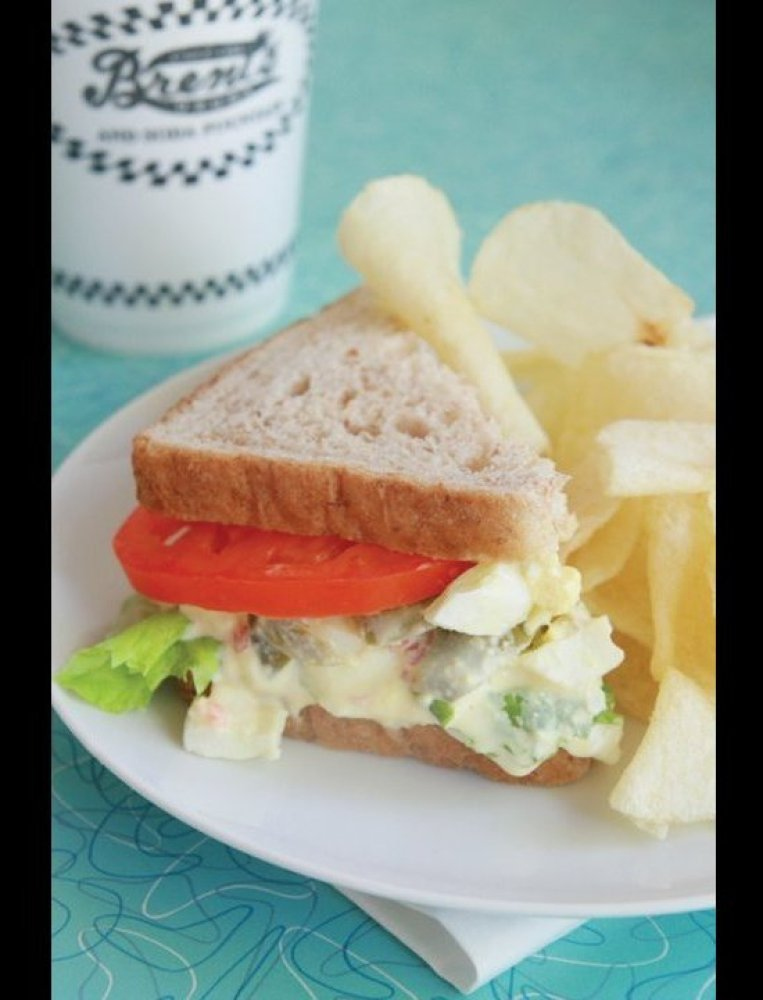 "<a href=""http://www.travelandleisure.com/articles/americas-best-diners/9"" target=""_hplink"">See More of America's Best Diners<"