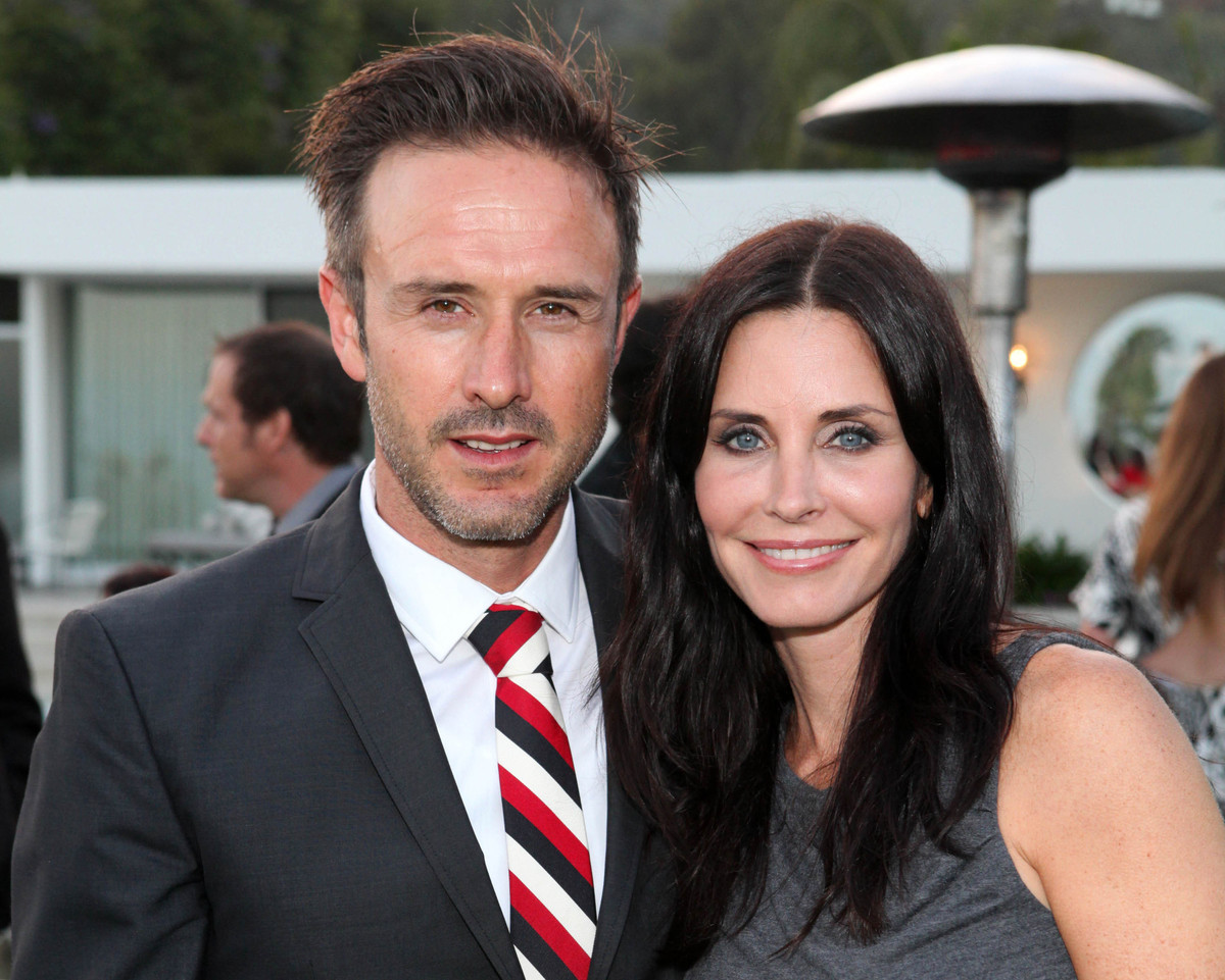 "Courteney Cox and David Arquette <a href=""http://www.usmagazine.com/celebrity-news/news/david-arquette-courteney-cox-split-20"