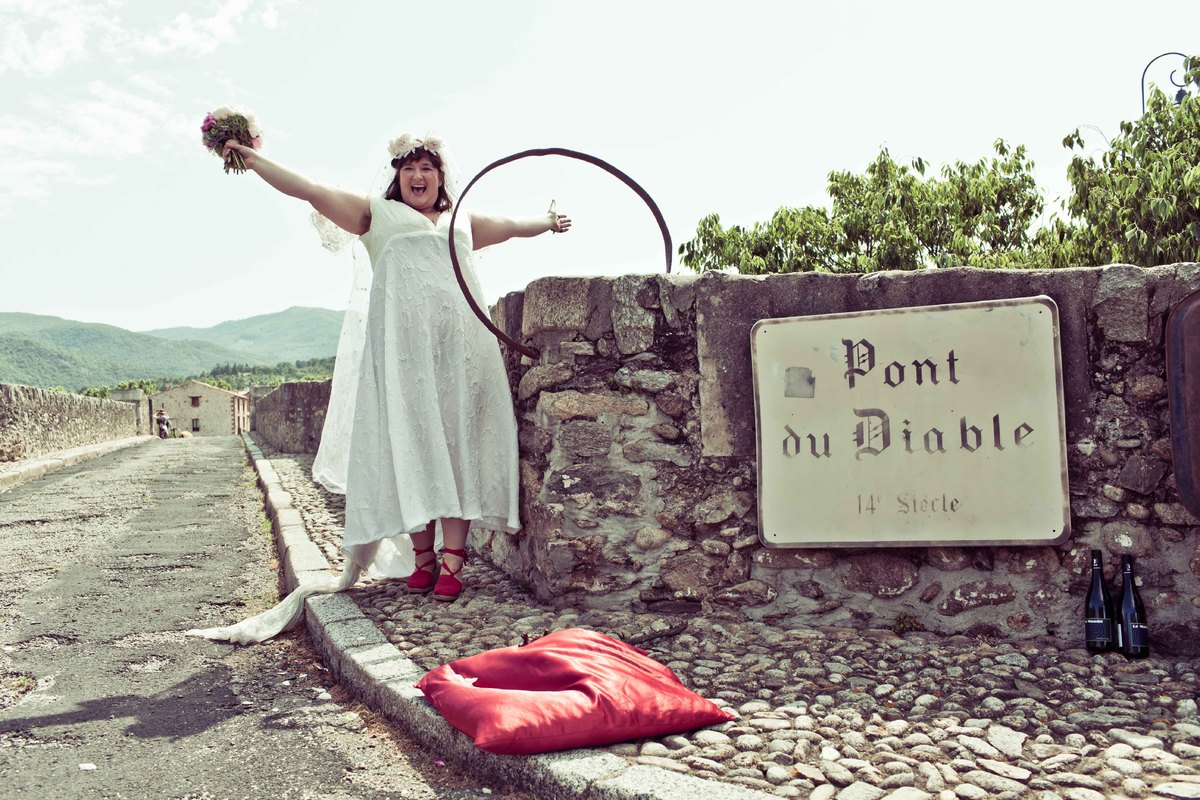 "<a href=""http://bridgeland.be/story"" target=""_blank"">Le Pont du Diable</a>"