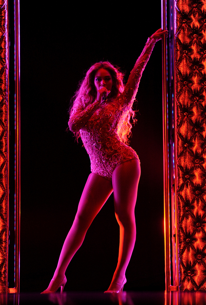 """IMAGE DISTRIBUTED FOR PARKWOOD ENTERTAINMENT - Singer Beyonce performs on her """"Mrs. Carter Show World Tour 2013"""" during the E"""