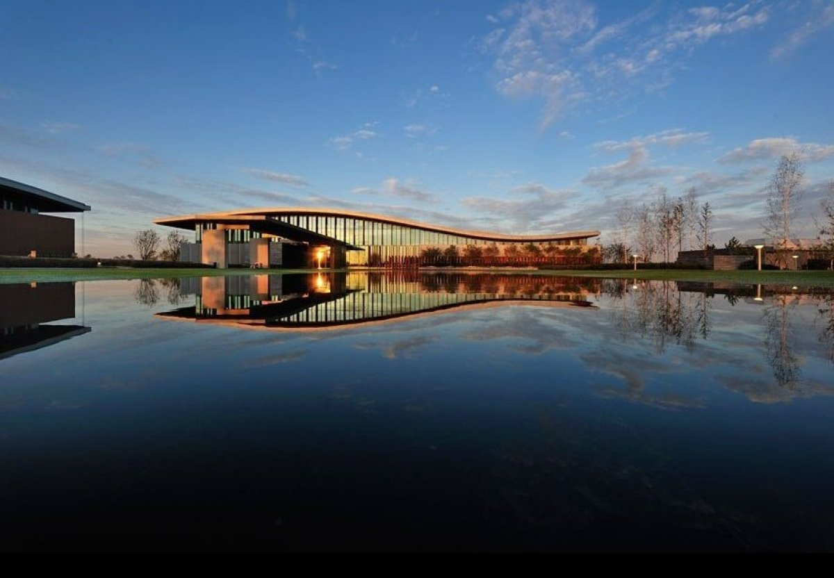 High design golf clubhouses around the world huffpost for Clubhouse architecture design
