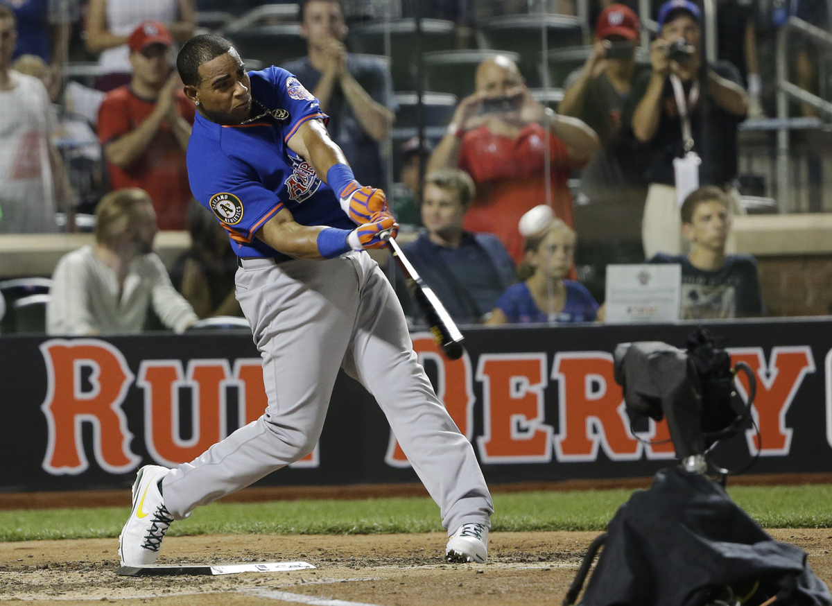 American League's Yoenis Cespedes, of the Oakland Athletics, hits his ninth home run in the third round to win the MLB All-St