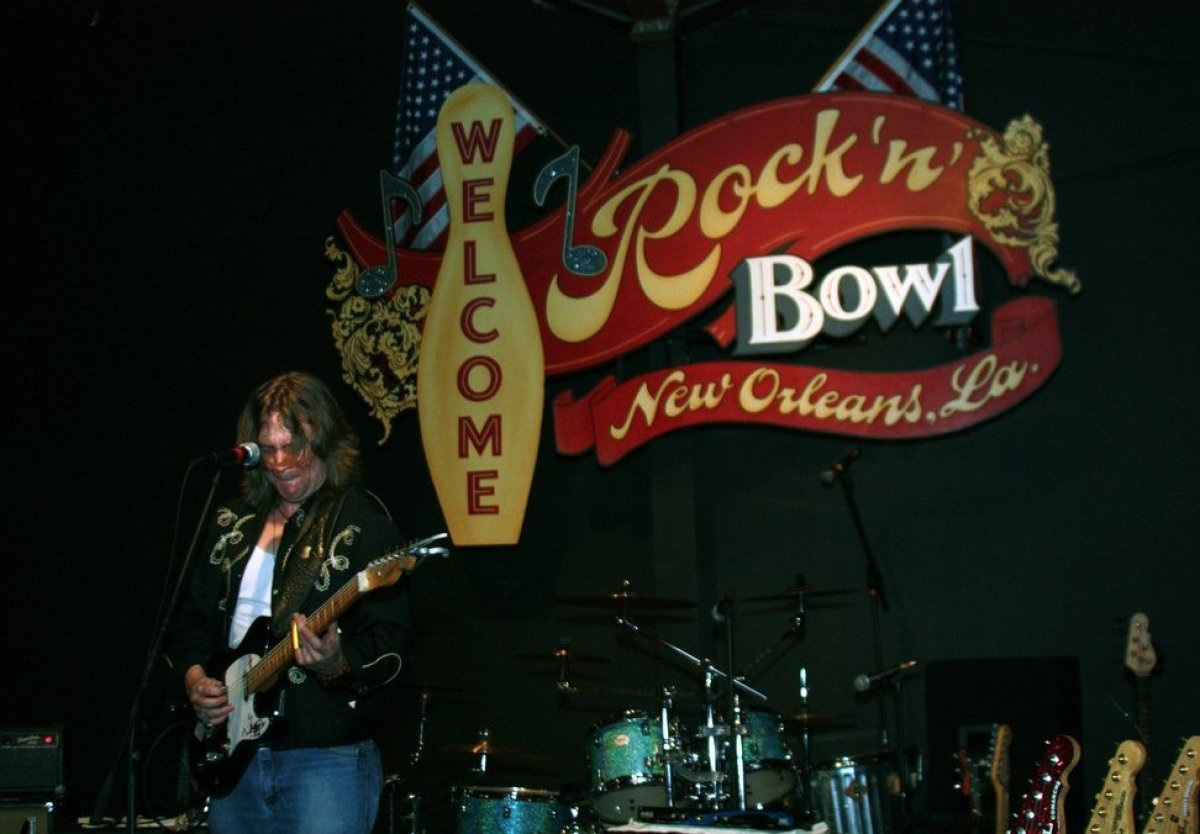 """<a href=""""http://www.travelandleisure.com/articles/americas-coolest-bowling-alleys/9"""" target=""""_hplink"""">See More of America's C"""