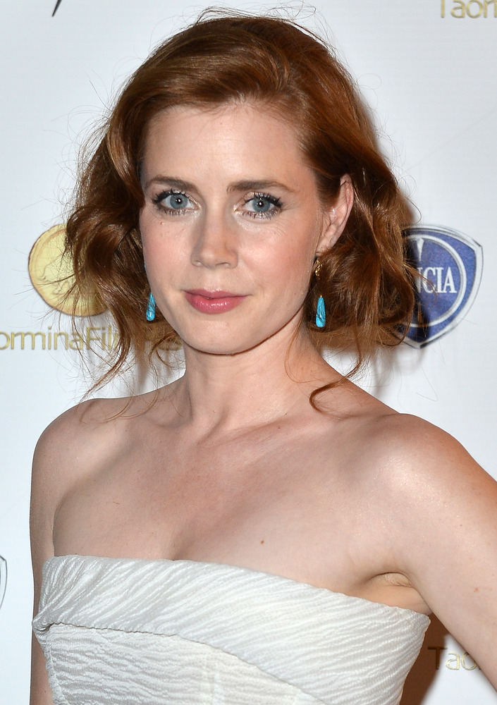 "Two-time Academy Award nominee <a href=""http://www.people.com/people/amy_adams/"" target=""_blank"">Amy Adams worked as a Hooter"