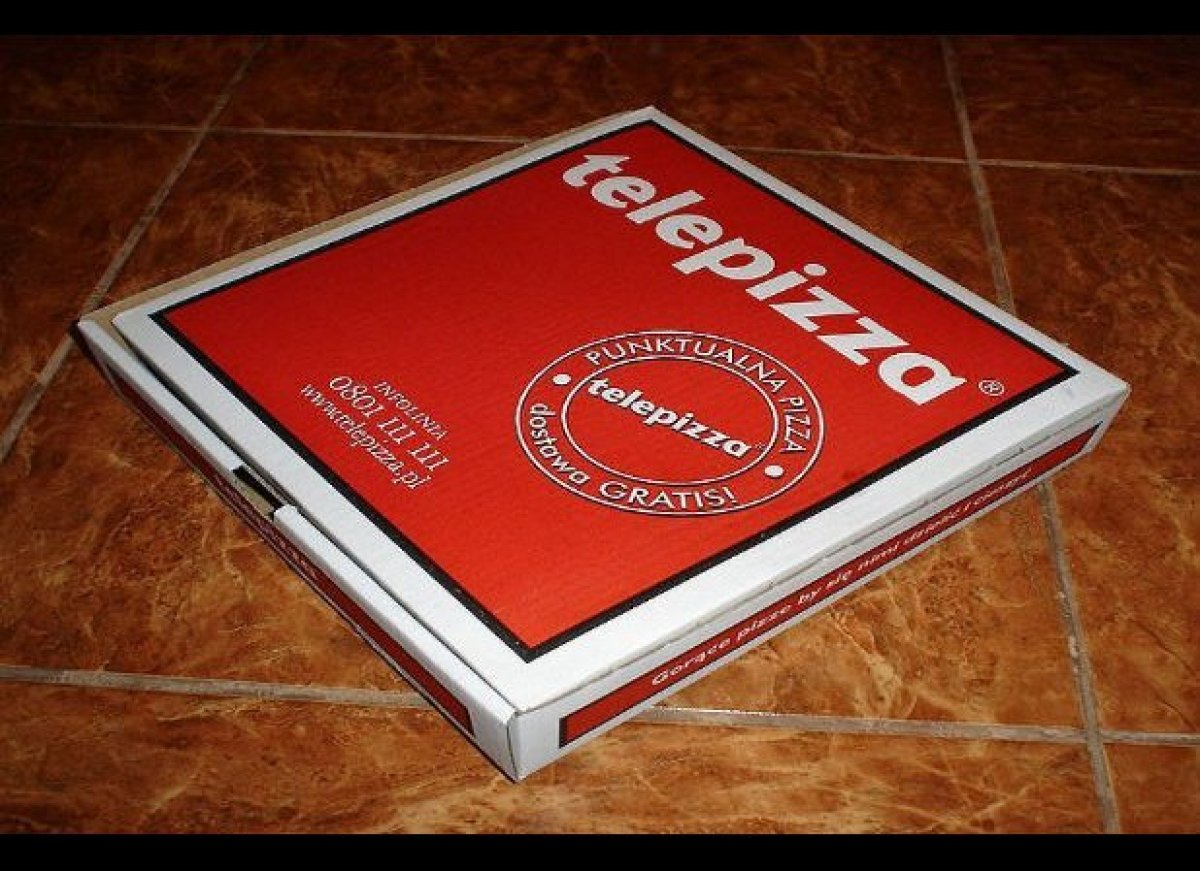 Like the name implies, you can order from far away and this pizza delivery service has one goal: to deliver your food as quic