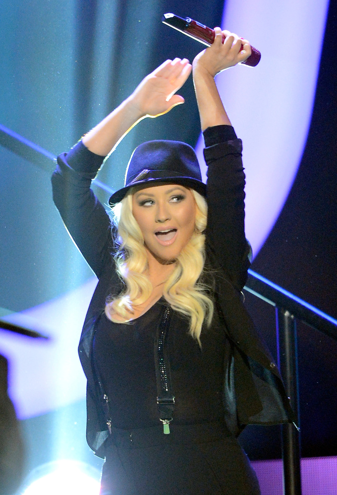 In 2010, semi-nude photos of the singer leaked online. The photos showed Aguilera nearly naked and a strategically place scar