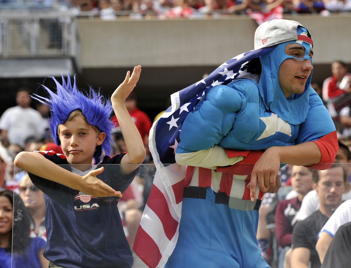 US fans watch play between the US and Panama during the CONCACAF Gold Cup final on July 28, 2013 at Soldier Field in Chicago.