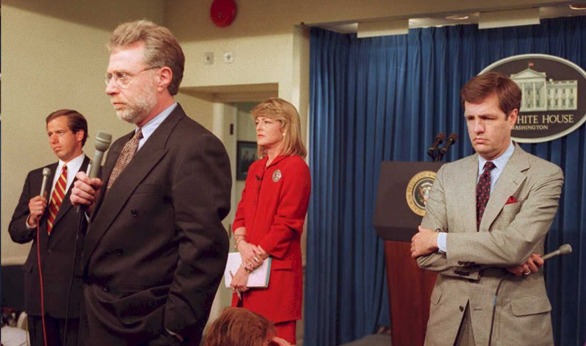 Television reporters Brian Williams(L),of NBC, Wolf Blitzer(2nd-L) of CNN, Rita Braver(2nd-R), of CBS and Brit Hume(R) of ABC