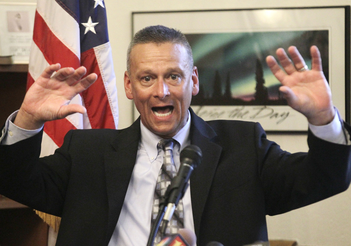 Florida schools superintendent Dr. Tony Bennett resigned less than 8 months into the job over a scandal in Indiana. Emails sh