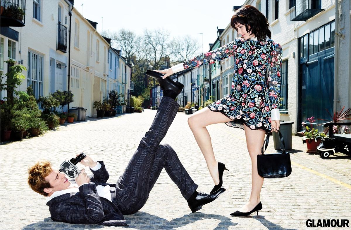 Sam (Tom Ford suit & shirt and Walter Steiger shoes). Jena (Valentino dress, Salvatore Ferragamo bag and Jimmy Choo heels).