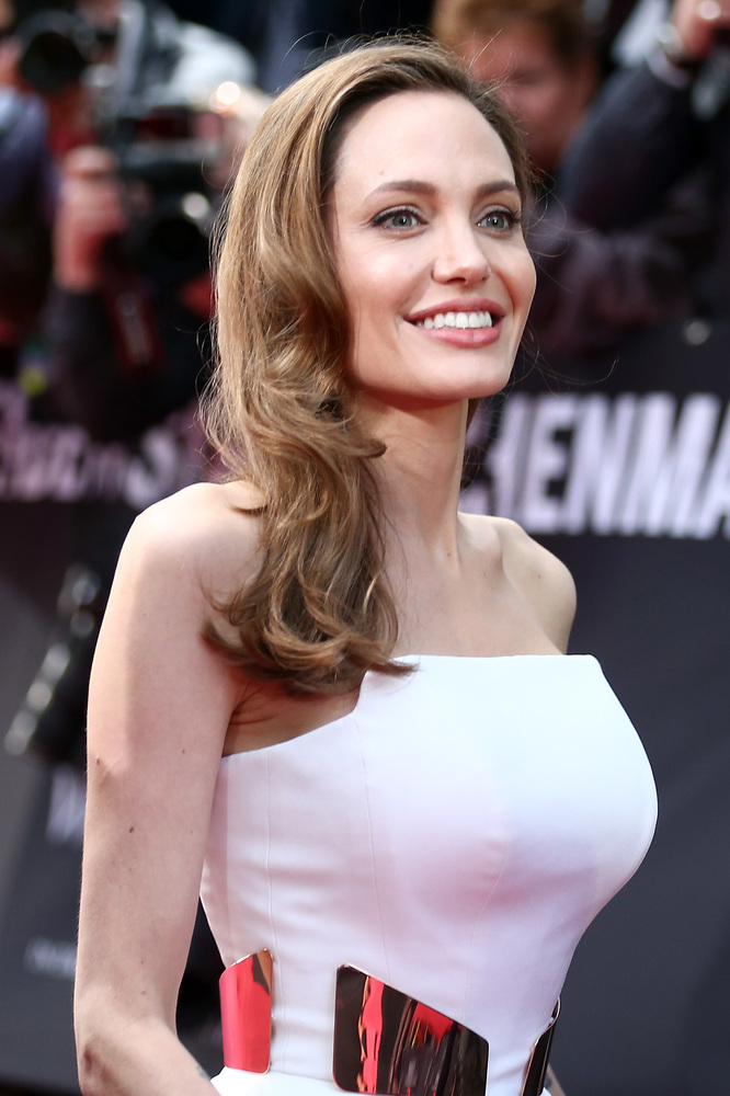 """Jolie married <a href=""""http://www.entertainmentwise.com/news/110704/Im-Very-Protective-Of-My-Friends-Angelina-Jolies-Ex-Husba"""