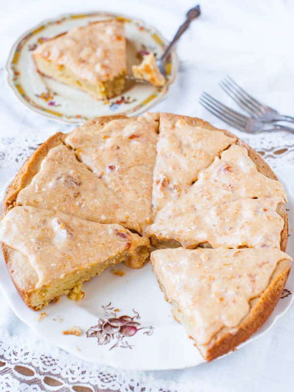 "<strong>Get the <a href=""http://www.averiecooks.com/2013/05/french-almond-cookie-cake-with-apricot-cream-cheese-glaze.html"" t"