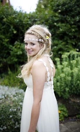 "From the bold floral details to the on-trend braid, we love this bride's style.  <a href=""http://lover.ly/explore/accessories"