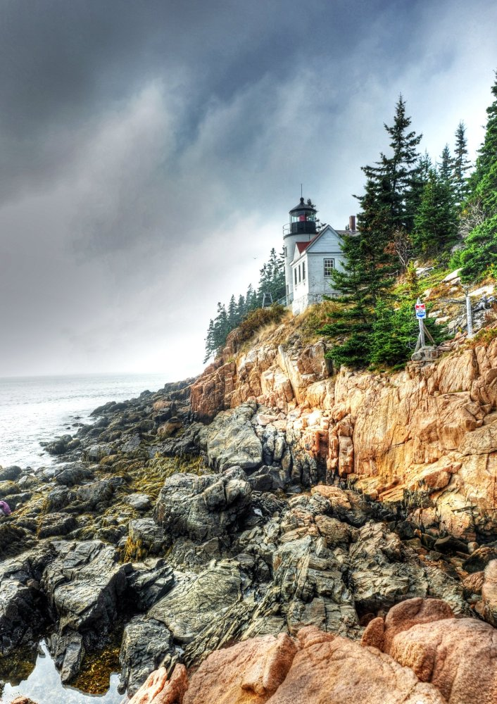 """<a href=""""http://www.travelandleisure.com/articles/beautiful-lighthouses-in-america/9"""" target=""""_hplink"""">See More Beautiful Lig"""
