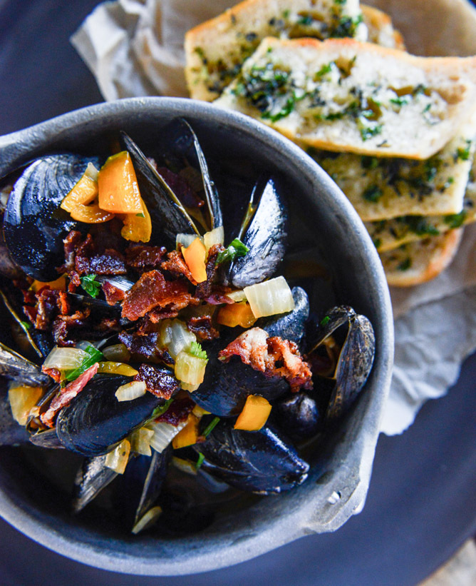 "<strong>Get the <a href=""http://www.howsweeteats.com/2014/07/coconut-curry-mussels/"" target=""_blank"">Steamed Mussels in a Coc"