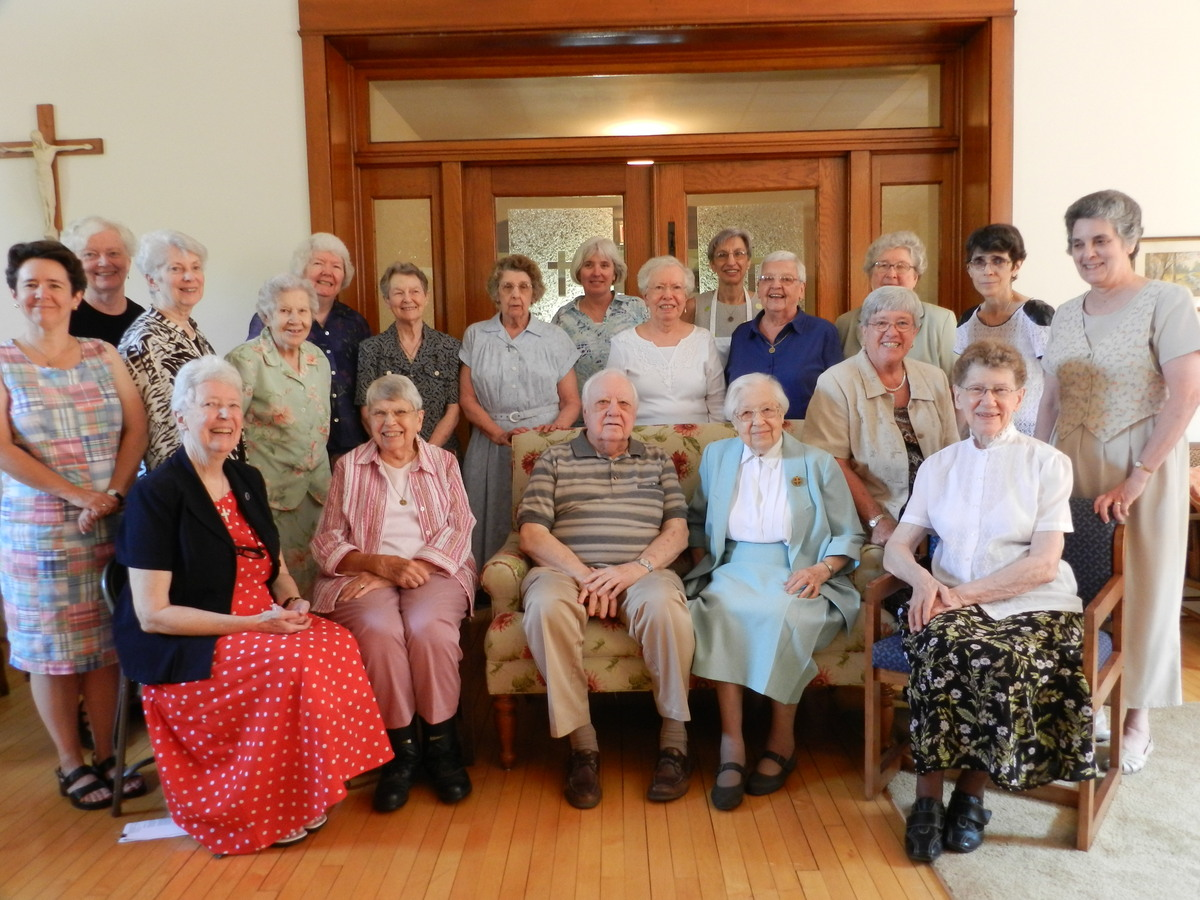 Sister Vivian with her brother, Bill Ivantic, and many of the members of her religious community.