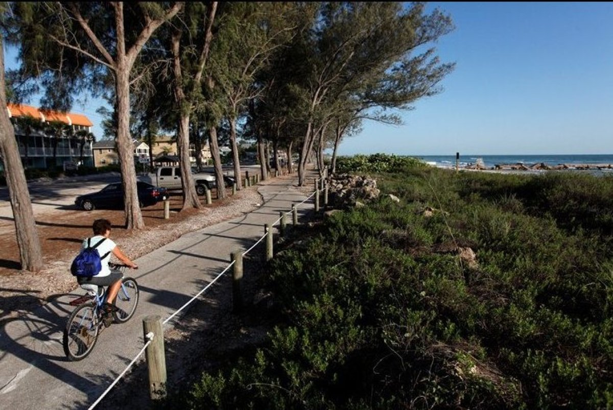 8 great florida beach towns for bicycling photos huffpost for Top florida beach towns