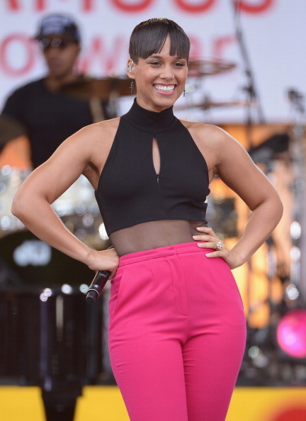 NEW YORK, NY - AUGUST 30: Musician Alicia Keys performs on ABC's 'Good Morning America' at Rumsey Playfield on August 30, 20