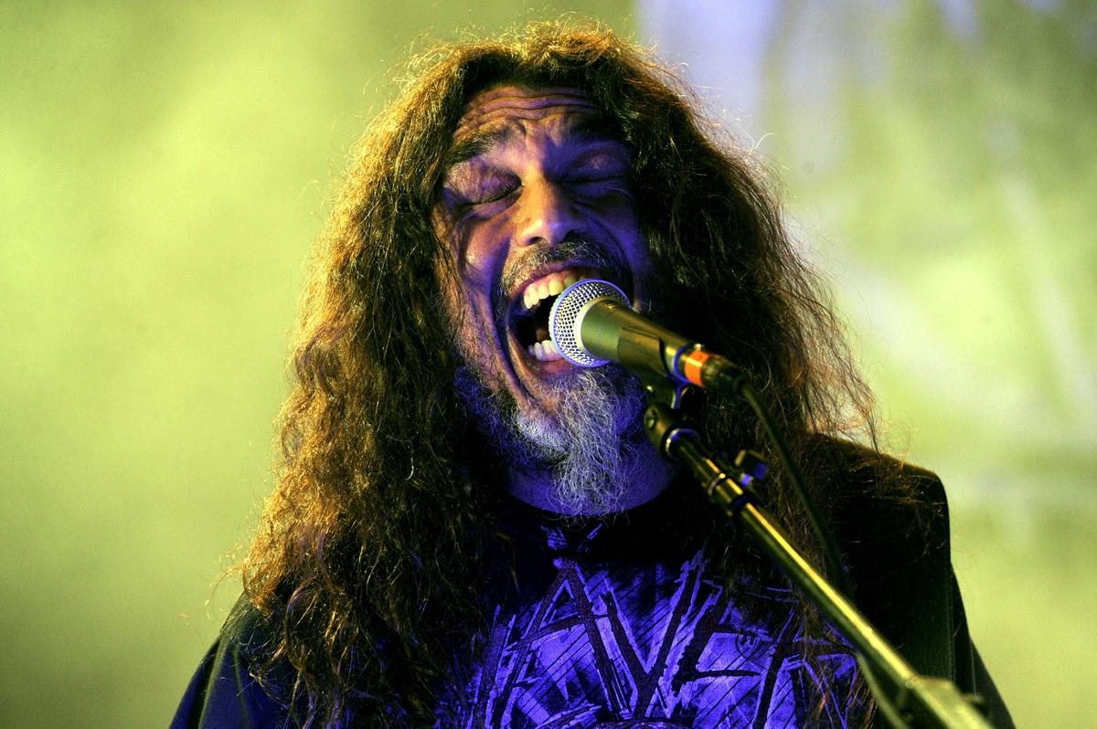 "Metal band Slayer's singer-bassist <a href=""http://www.knac.com/article.asp?ArticleID=3456"" target=""_blank"">Tom Araya immigra"