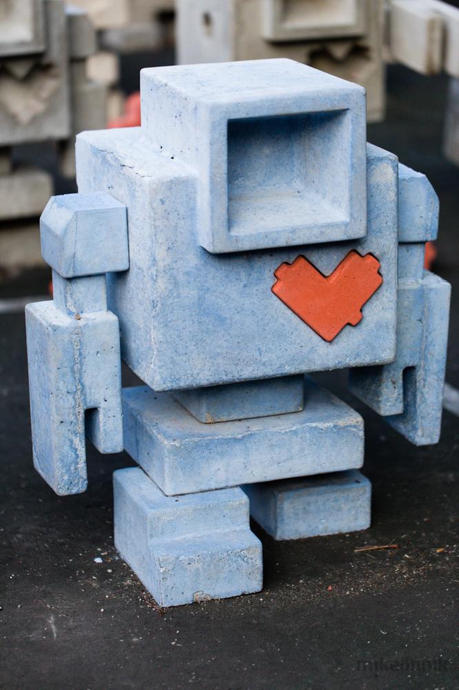 """Lovebot (<a href=""""http://www.mikelinnik.ca/"""">Michael Linnik</a>)"""