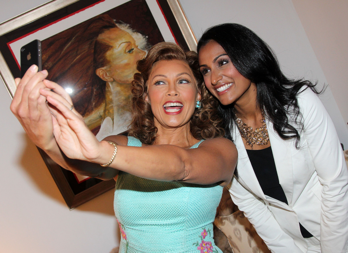 NEW YORK, NY - SEPTEMBER 18: (EXCLUSIVE COVERAGE) Former Miss America/actress Vanessa Williams and Miss America 2013 Nina Dav