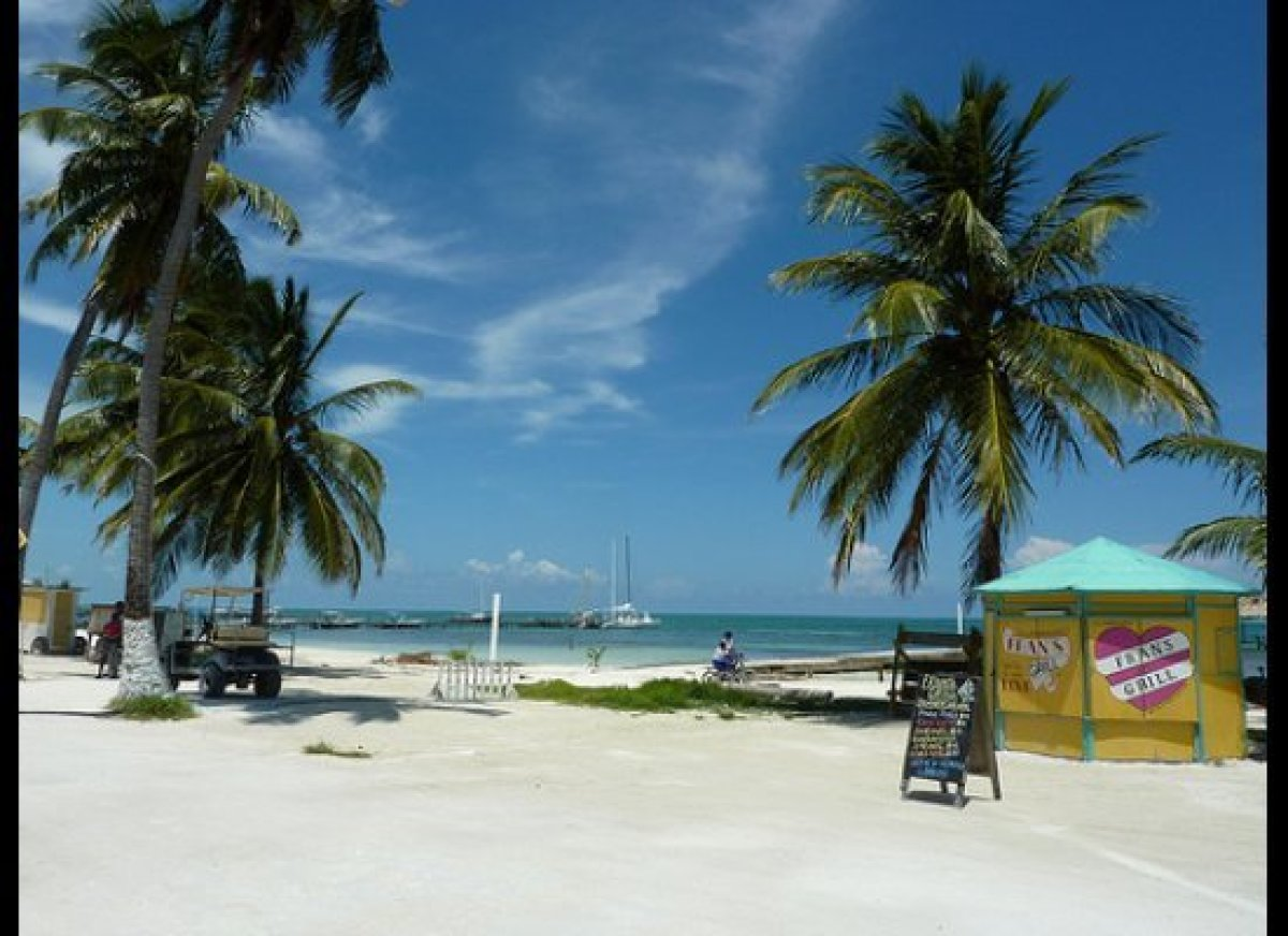 "For many years <a href=""http://internationalliving.com/countries/belize/"" target=""_hplink"">Belize </a>has attracted people fr"
