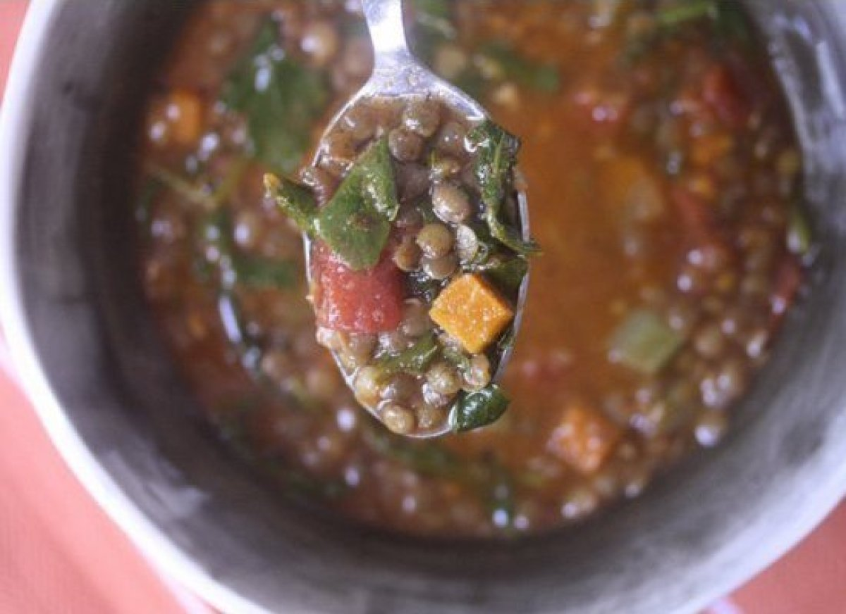 Coarsely torn baby spinach up the ante on healthfulness and give a nice hint of freshness to this otherwise heavy-duty pantry