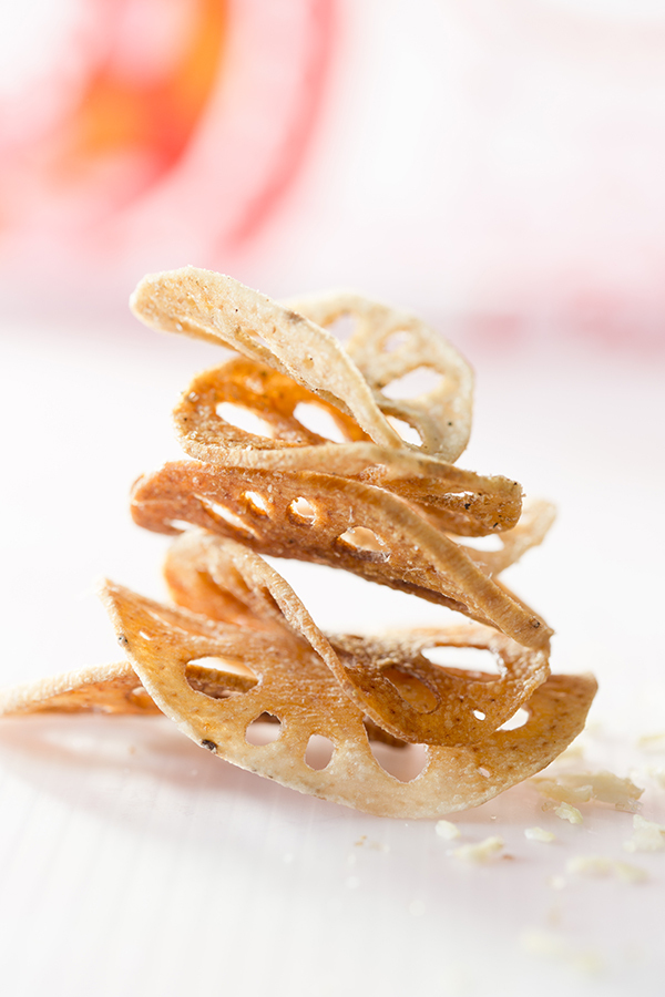 "<strong>Get the <a href=""http://www.saltedandstyled.com/2013/03/20/spiced-lotus-root-chips/"" target=""_blank"">Spiced Lotus Roo"