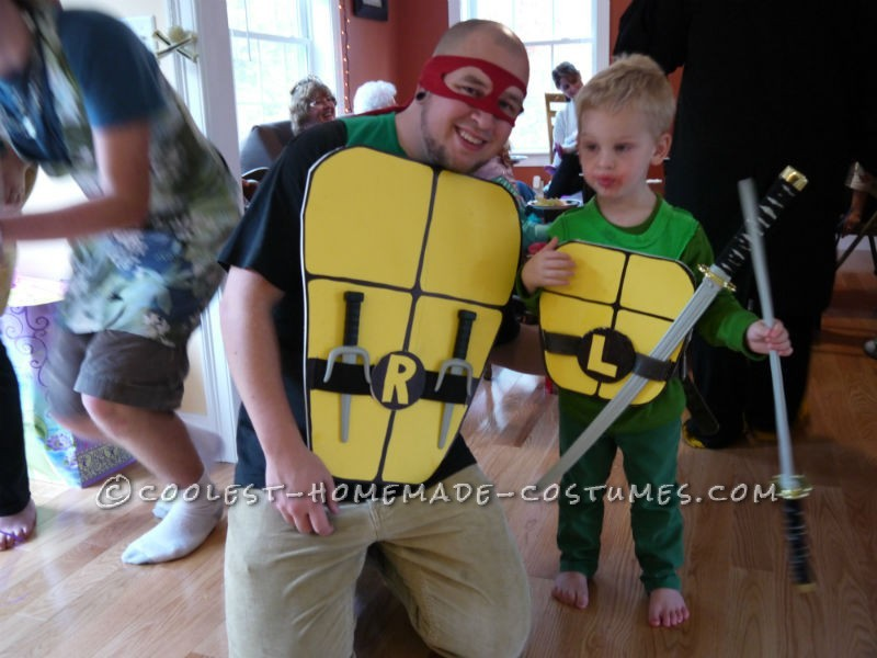 47 fun freaky and fantastic family halloween costumes huffpost coolest homemade costumes solutioingenieria