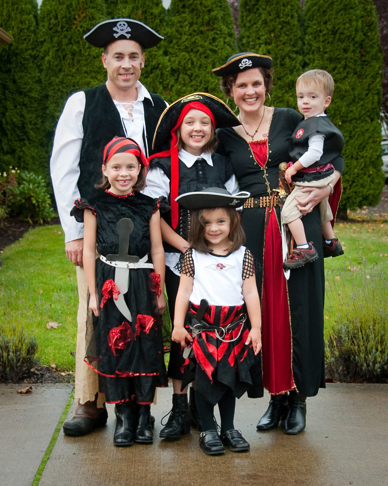 47 Fun, Freaky And Fantastic Family Halloween Costumes | HuffPost