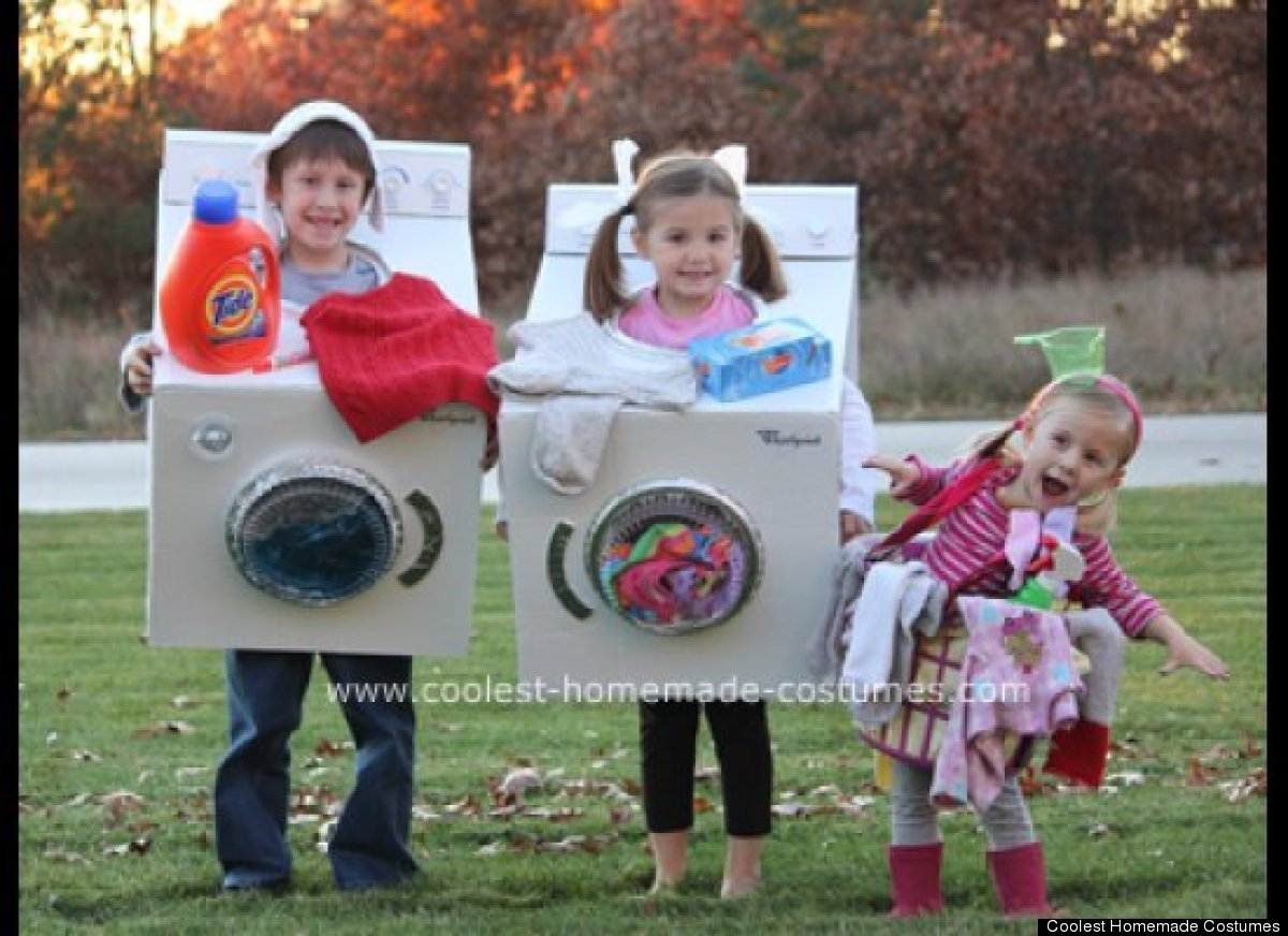 Fun Freaky And Fantastic Family Halloween Costumes HuffPost - 24 hilarious baby photoshoot pinterest fails 9 made my entire day
