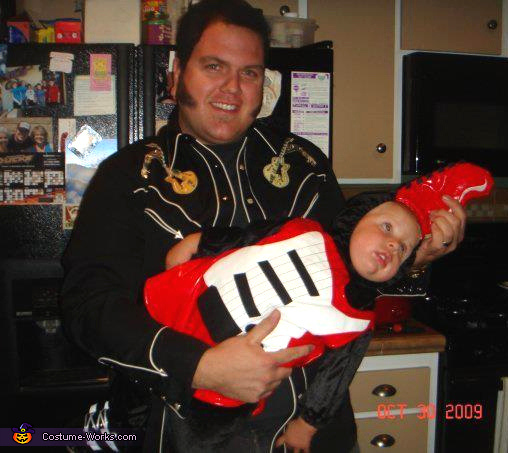"<a href=""http://www.costume-works.com/elvis_and_his_special_guitar.html"" target=""_blank"">via Costume Works</a>"