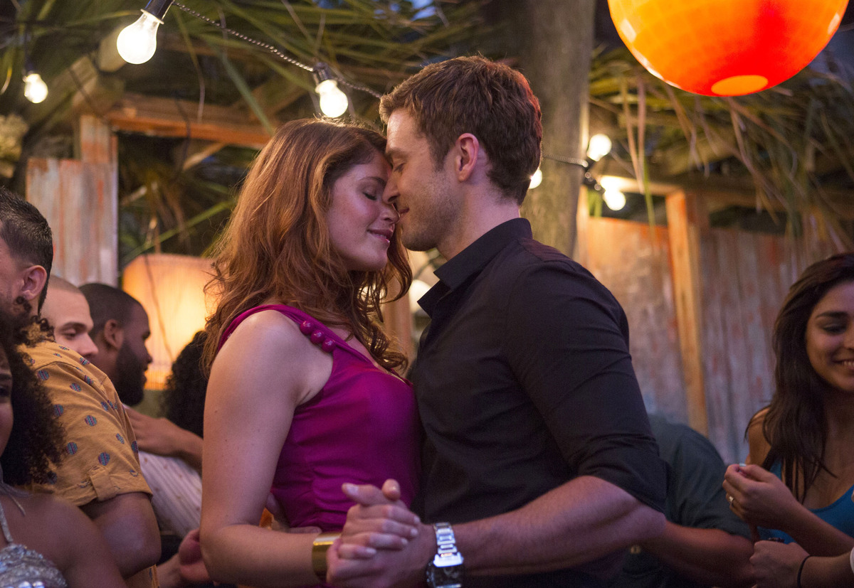 "This image released by 20th Century Fox shows Gemma Arterton, left, and Justin Timberlake in a scene from ""Runner Runner."" (A"