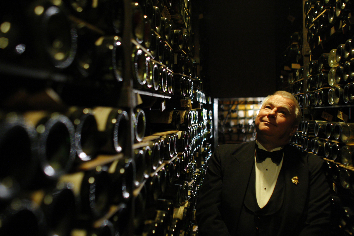 Most sommeliers have wines they particularly  like that they save for people they  particularly like. Start by asking the  so