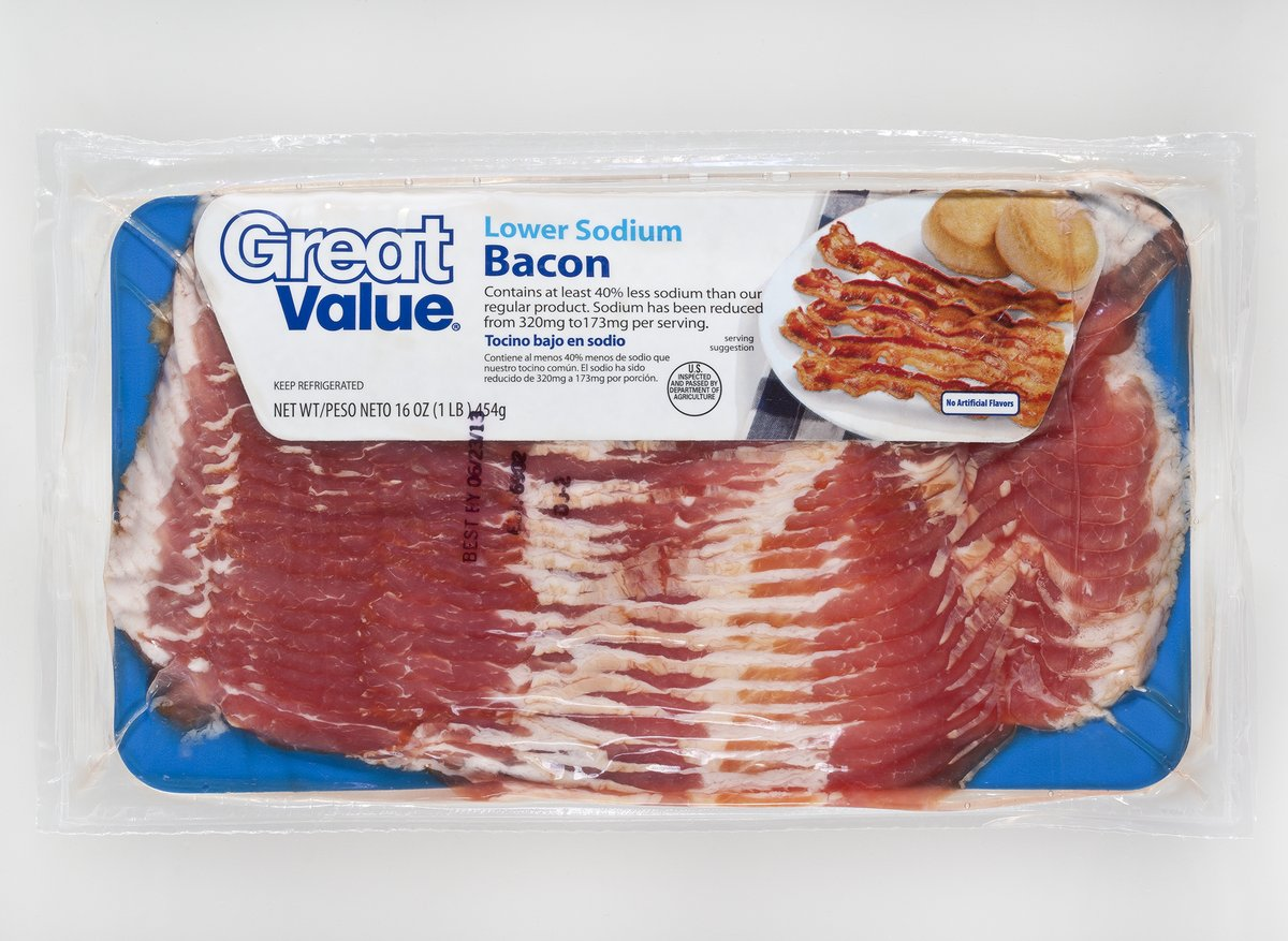 "Calories in Bacon. By Renee Rogers RD, LDN Bacon is an ""empty calorie"" food since it contains calories and fat with little nutrients. The U.S. Department of Agriculture recommends everyone reduce their consumption of ""empty calories""."