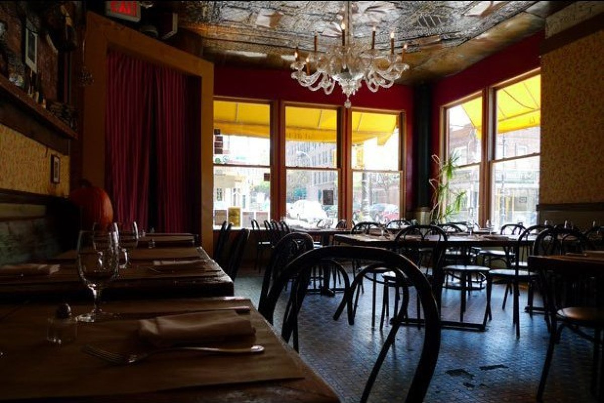 When chef Anna Klinger and husband Emiliano Coppa opened the Venetian-inspired Al di Là on Park Slope's Fifth Avenue in 1998,