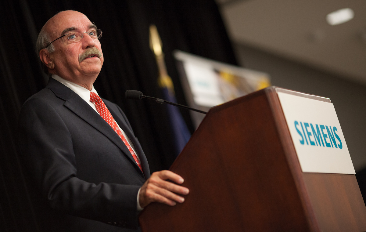 Charlotte mayor Dan Clodfelter speaks during an event on Sept. 24, 2014 at the Siemens Charlotte Energy Hub in Charlotte, N.C