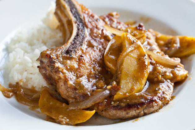 """<strong>Get the <a href=""""http://www.steamykitchen.com/11109-apple-and-sage-pork-chops.html"""" target=""""_blank"""">Apple and Sage Po"""