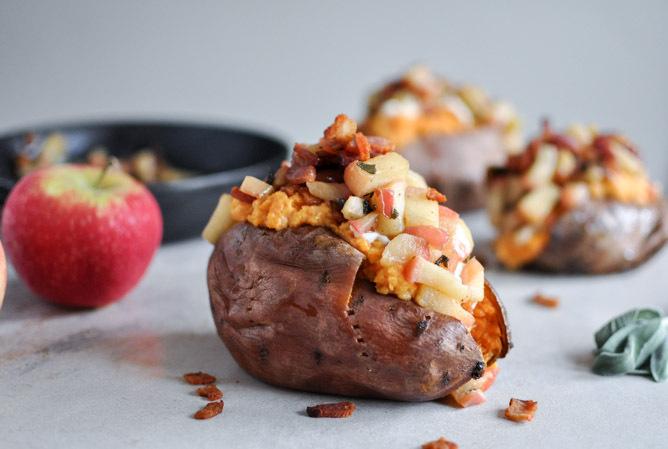 "<strong>Get the<a href=""http://www.howsweeteats.com/2012/10/apple-bacon-stuffed-sweet-potatoes/"" target=""_blank""> Apple Bacon"