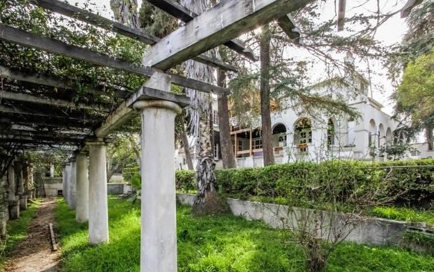 Spooky old houses for sale in los angeles photos huffpost this 6957 square foot house built in 1911 is listed for 15 publicscrutiny Gallery