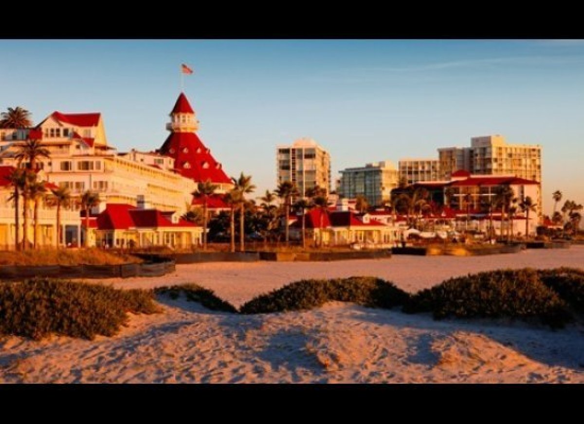 <strong>Coronado Central Beach, San Diego</strong>  A quick drive from downtown San Diego, Coronado Central Beach caters to