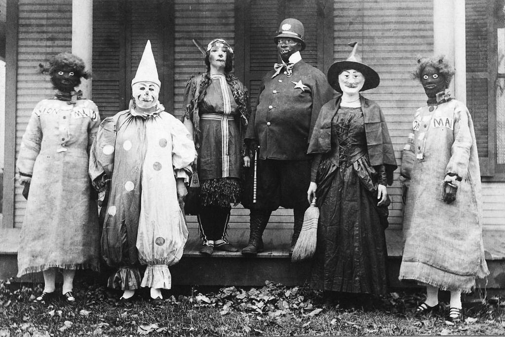 23 Vintage Halloween Photos That Will Give You Nightmares   HuffPost