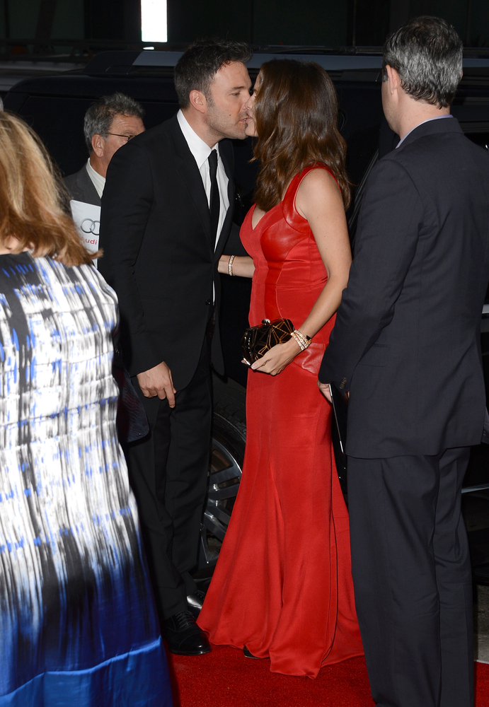 "Affleck proposed to Garner on her 33rd birthday in 2005, <a href=""http://www.foxnews.com/story/0,2933,154022,00.html"">with a<"